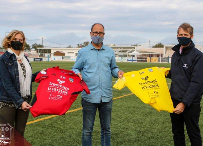 Presentación de la nueva equipación de la SD Formentera